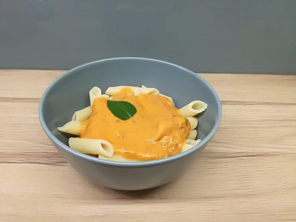 makaron-z-sosem-pomidorowym-z-mascarpone